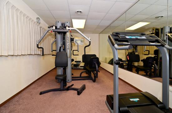 Days Inn & Suites Rhinelander: Fitness Center