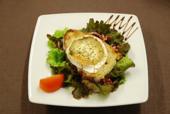 salade lola toast de ch vre chaud et lardons sur lit de. Black Bedroom Furniture Sets. Home Design Ideas