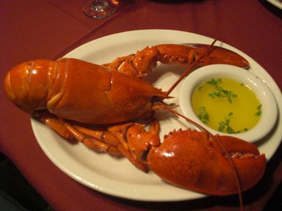 Romanos Restaurant: Whole Steamed lobster