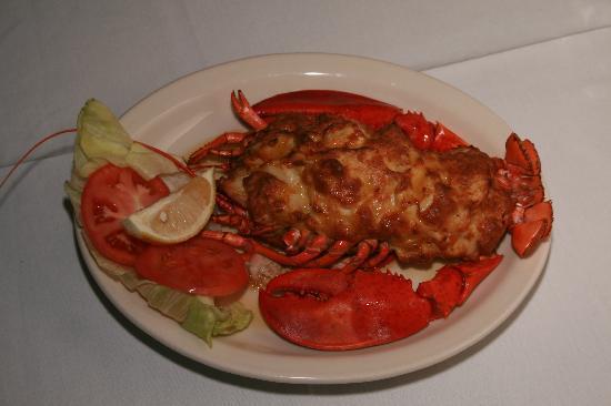Romanos Restaurant: Whole Stuffed Lobster