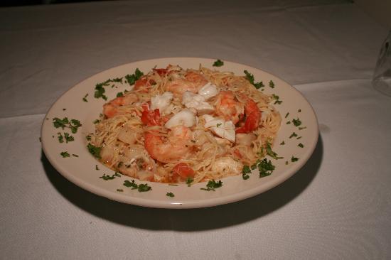 Romanos Restaurant: Seafood Pasta