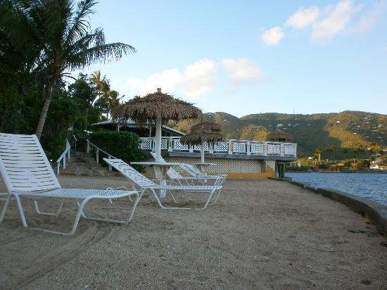 Lindbergh Bay Hotel and Villas: beach area