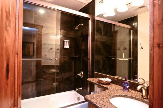 Mountainside Condos: Remodeled bathroom