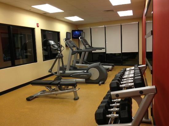 Courtyard Raleigh North/Triangle Town Center: Exercise Room