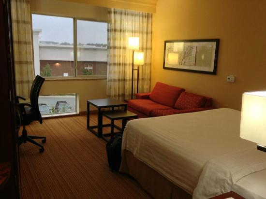 Courtyard Raleigh North/Triangle Town Center : Room King