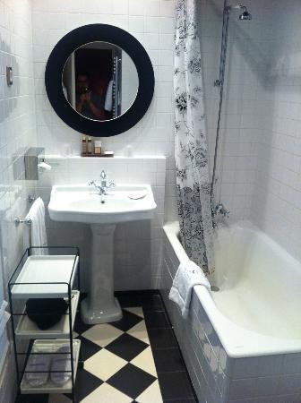 Hotel Sainte Beuve: Hotel Sainte-Beuve Standard Bathroom