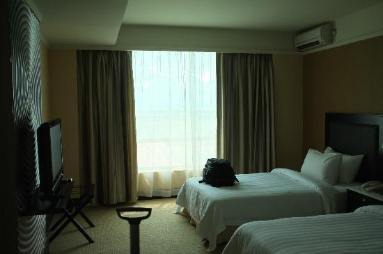 NagaWorld Hotel & Entertainment Complex: Chambre