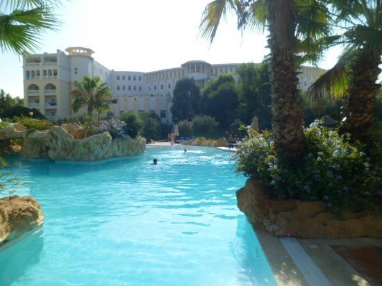 Medina Solaria & Thalasso: some of the pool