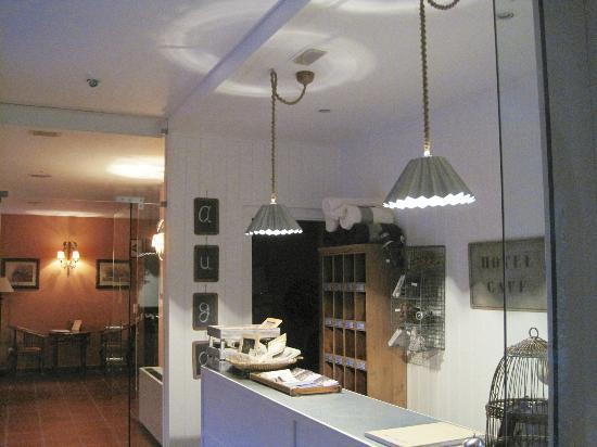Hotel Pesqueria del Tambre: Reception and lounge