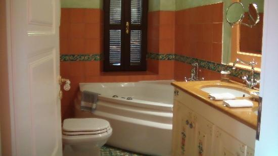 Nikos Takis Fashion Boutique Hotel : Tzami Bathroom