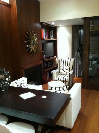Domux Home Repubblica Luxury Apartment: Strozzi room - living