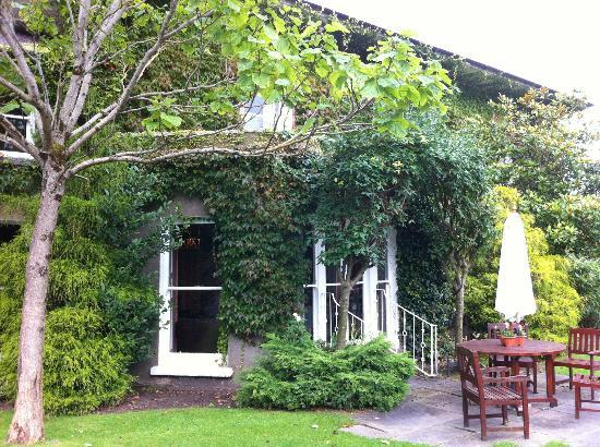 Raheen House Hotel: Near entrance