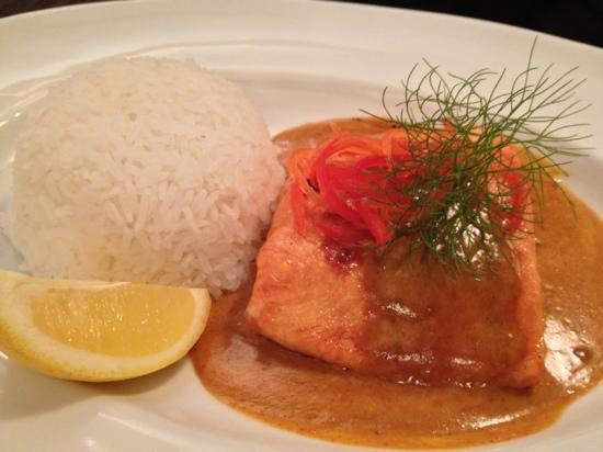 Tuti's Restaurant and Bar : salmon