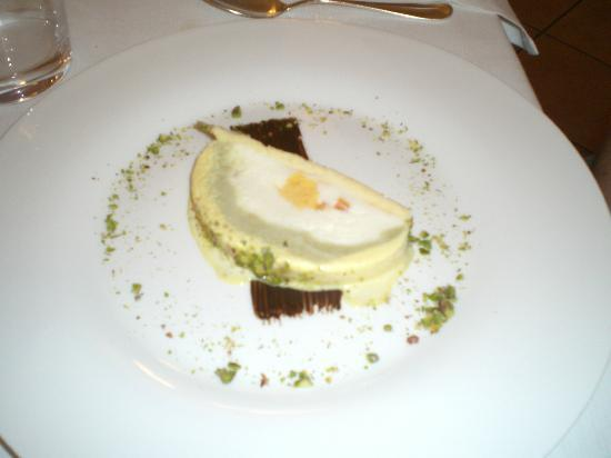 La Madia: Seventh course (mom) - a slice of something with pistachio (don't remember but it was good)