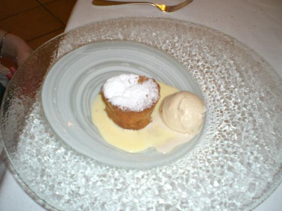 La Madia: Seventh course (my sister) - a molten cake with ice cream