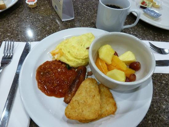 Best Western Premier Freeport Inn & Suites: Breakfast