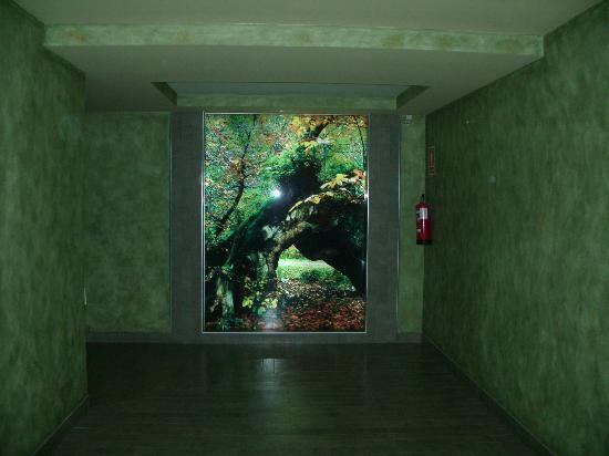 Gran Hotel Balneario Puente Viesgo: Paso subterráneo desde la parte nueva al balneario