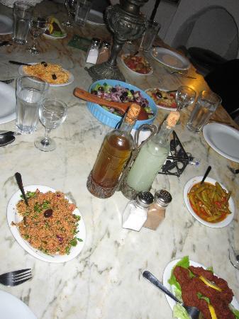 Bakkhos Guesthouse: dinner