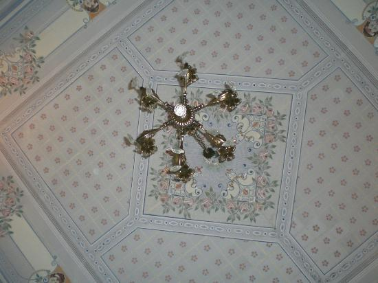 Bed and Breakfast Palazzo Giovanni: My mother and sisters ceiling