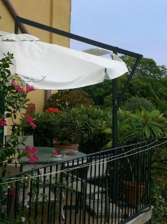 Bed and Breakfast Palazzo Giovanni: The lower terrace