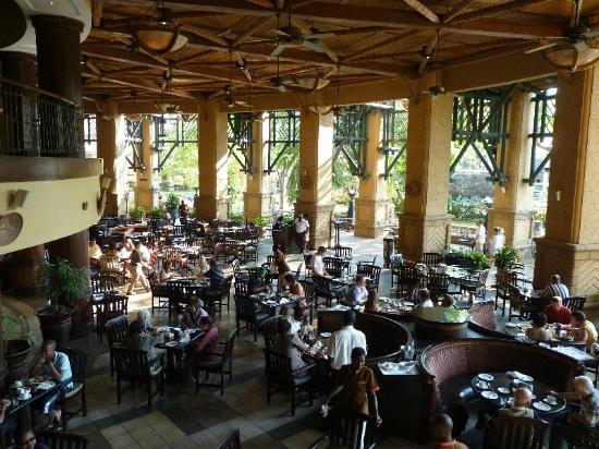 The Kingdom at Victoria Falls: Breakfast in this dining area is a GREAT way to begin the day!