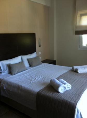 Nostos Hotel: bedroom