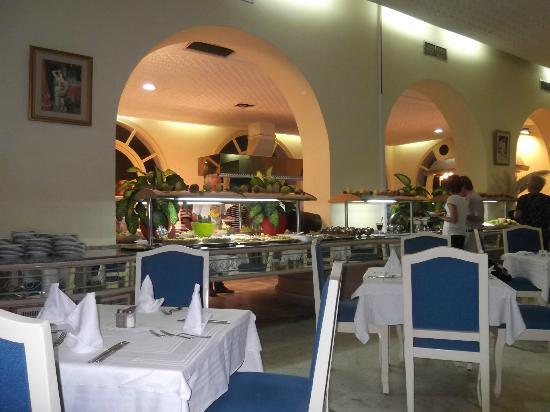 Marhaba Beach Hotel: Dinning room