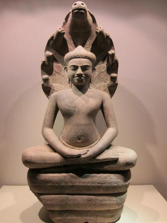 Asian Civilisations Museum: a fine Khmer Buddhist statue