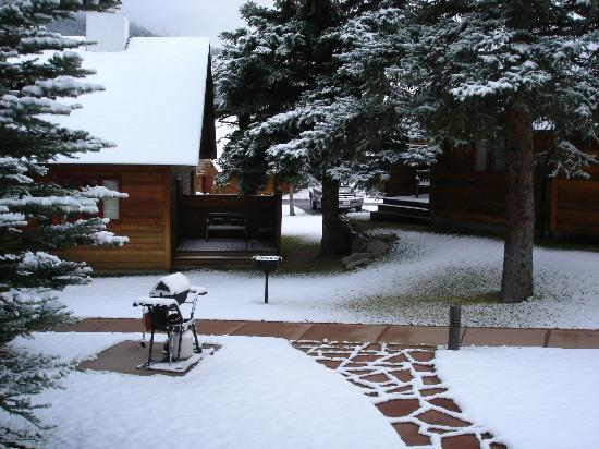 Rams Horn Village Resort: Late spring snow