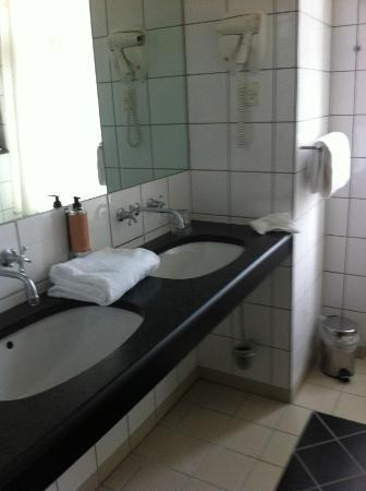 Hotel Alexandra - Classic Danish Design Room - Bathroom