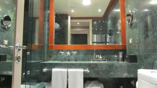 Hotel 1898: Salle de bain