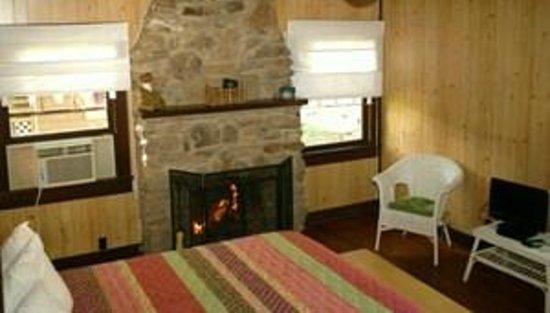 Gasconade Hills: Interior Cottage #2