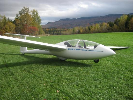 Sugarbush Mountain Ski Resort: 2 passenger glider at Sugarbush Soaring - pilot and 1 passenger