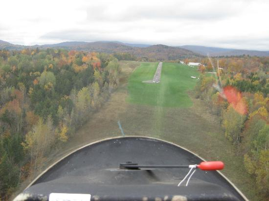Sugarbush Mountain Ski Resort: view from glider coming in for landing