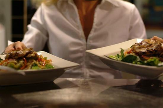 Ric's Lounge & Grill: Casual dining taken seriously at Ric's
