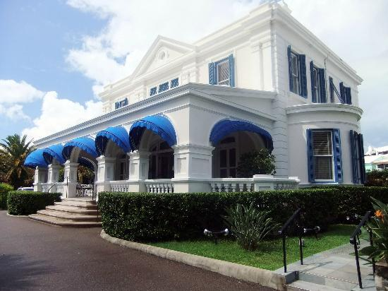 Rosedon Hotel: Colonial mansion on the hill