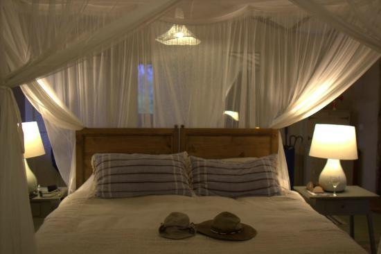 Lamai Serengeti, Nomad Tanzania: comfy bed