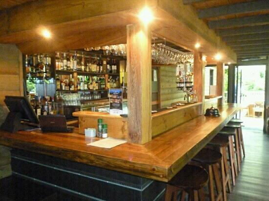 Toco Madera Restaurant and Lounge: Bar