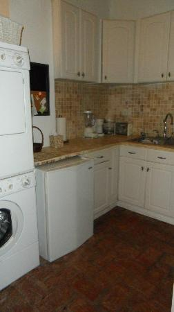 Caleta 64 Apartment: Kitchen (with washer and dryer)