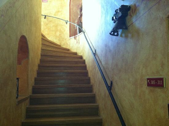 EA Hotel Jeleni dvur: Stairs