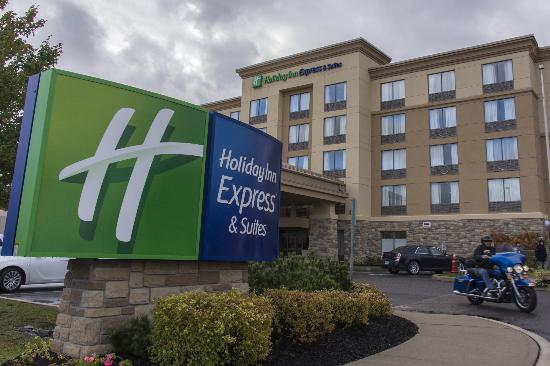 Holiday Inn Express Hotel & Suites Huntsville: Modern Hotel