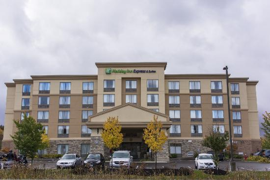 Holiday Inn Express Hotel & Suites Huntsville: Front with ample parking