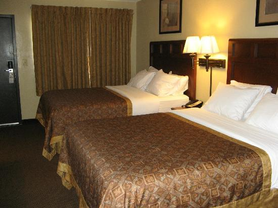 Greenstay Hotel & Suites: Room View