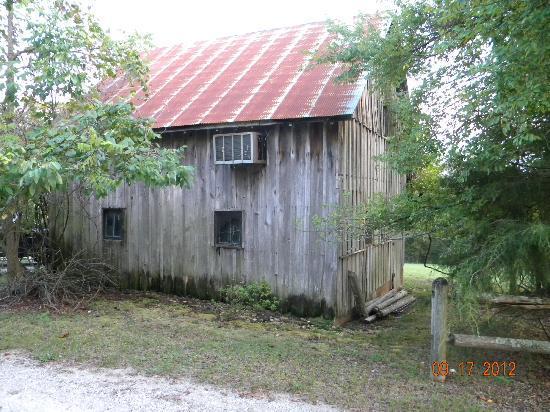 Bonnybrooke Farm : cabin