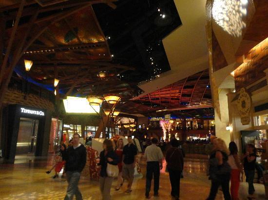 Mohegan Sun: Casino.