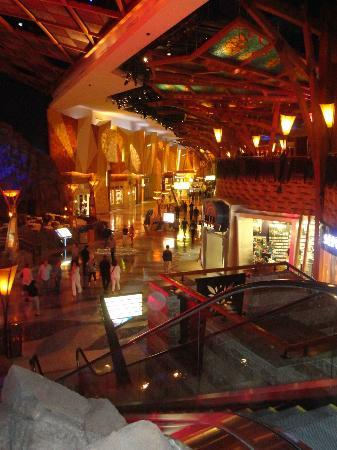 Mohegan Sun: The casino shops.