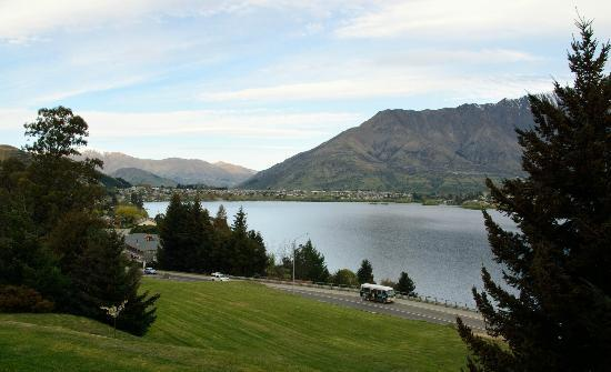 Holiday Inn Queenstown Frankton Road: View outside room
