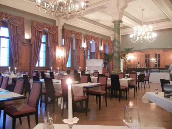 Hotel Bellevue: Elegant dining room