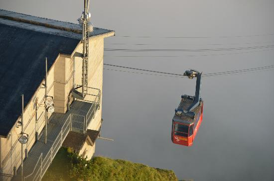 Hotel Bellevue: Cable car to Pilatus kulm