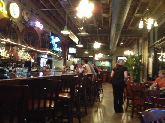 Ralph & Kacoo's : Oyster bar